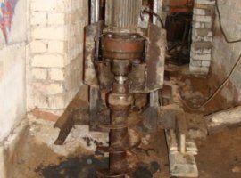 Бурение скважин малогабаритным станком в подвале